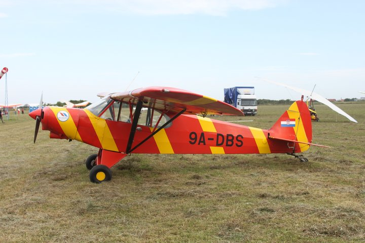 9A-DBS,_a_Piper_Cub_with_no_military_history.jpg